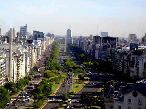 Av. 9 de Julio, The Portenos say it is the widest street in the world